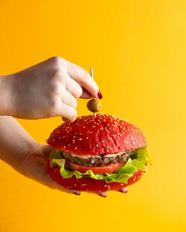 Como a cor afeta sua percepção dos alimentos